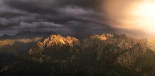 Landschaftsfotograf Jonathan Besler Panorama Allgäu Alpen Berge Oberstdorf Sommer Alpenglühen Sonnenuntergang Gewitter Schaür Sturm Blitz Oberallgäu